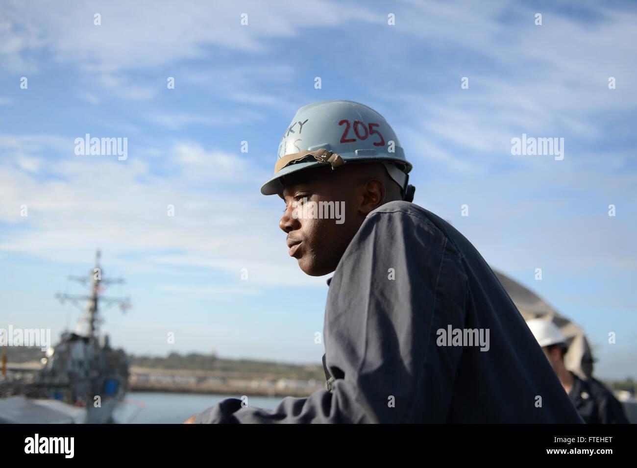 MEDITERRANEAN SEA (Oct. 15, 2014) -- Boatswain's Mate Seaman Darren Marks, from Tuscaloosa, Ala., from Rancho Cucamonga, - Stock Image