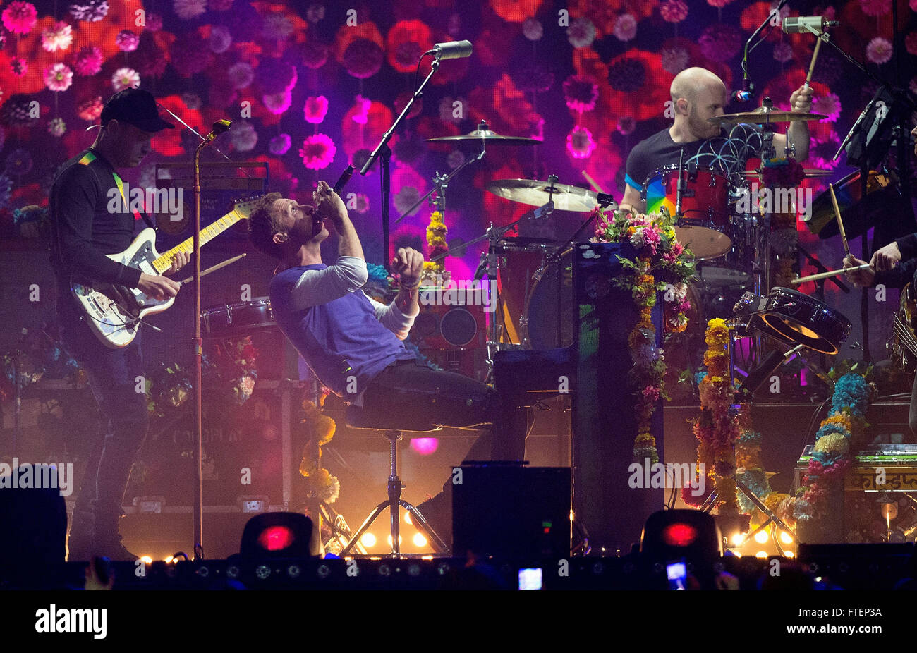 Brit Awards Show at the 02 Arena in London.  Featuring: Chris Martin, Coldplay Where: London, United Kingdom When: - Stock Image
