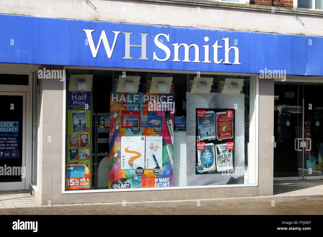 WH SMITH NEWSAGENT SHOP HIGH STREET - Stock Image