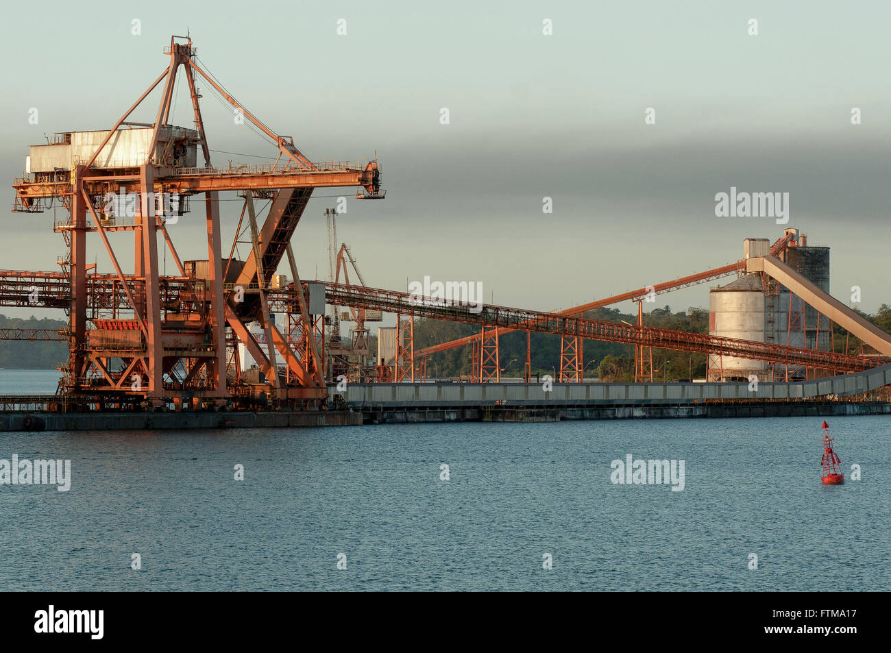 Shiploader and conveyor belt at the Port of Aratu - Stock Image