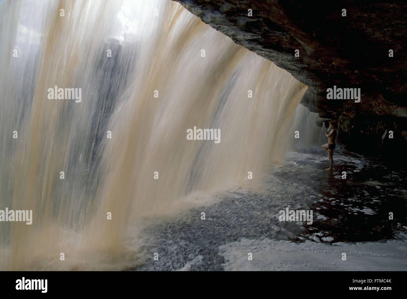 Ecotourist in Waterfall Fumacinha - Stock Image