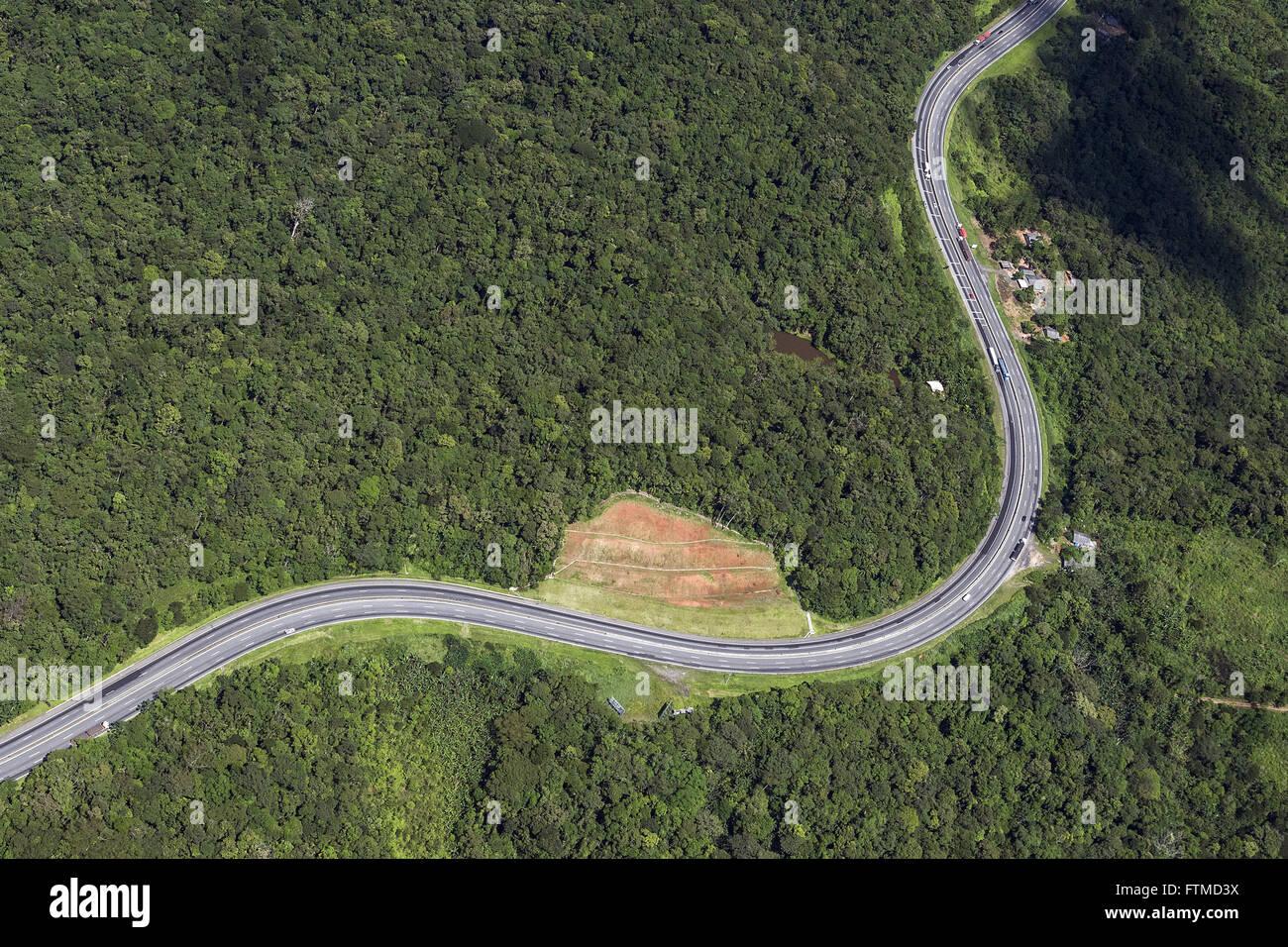 Vista aerea da Rodovia BR-277 - liga as cidades de Paranagua e Curitiba - Stock Image