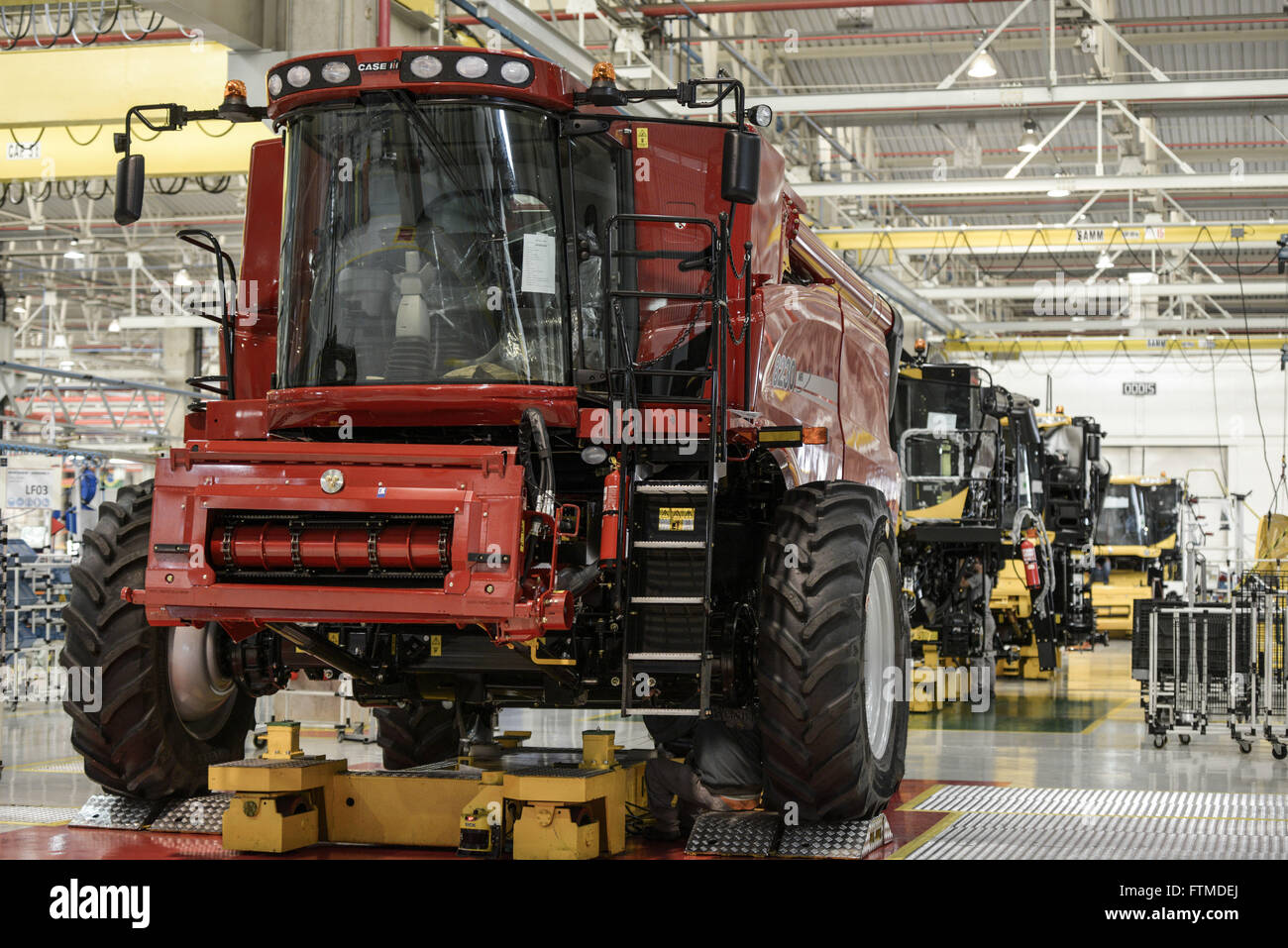 John Deere Assembly Line : Tractor assembly line stock photos