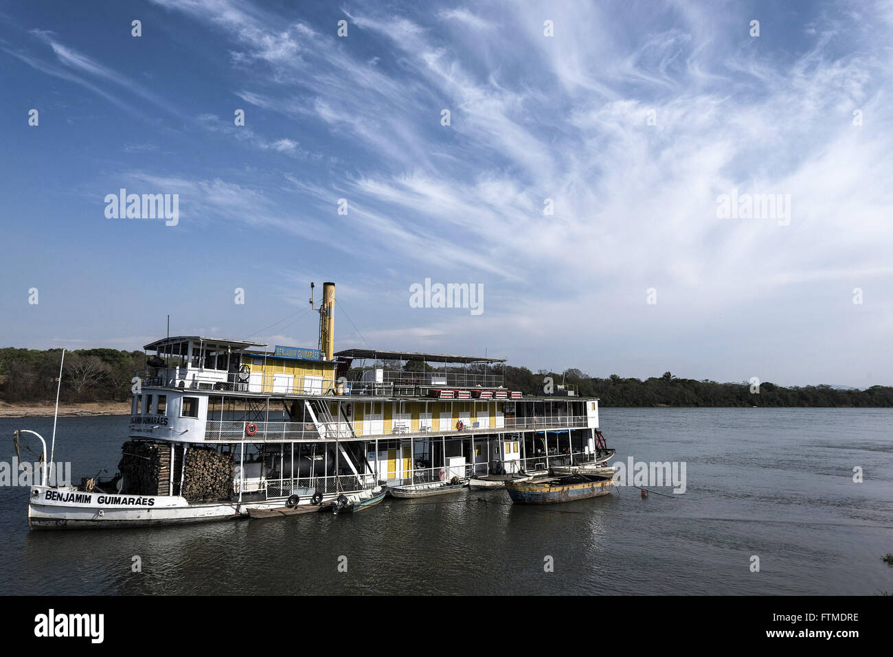 Steamboat approaching dry area of Rio Sao Francisco - Stock Image