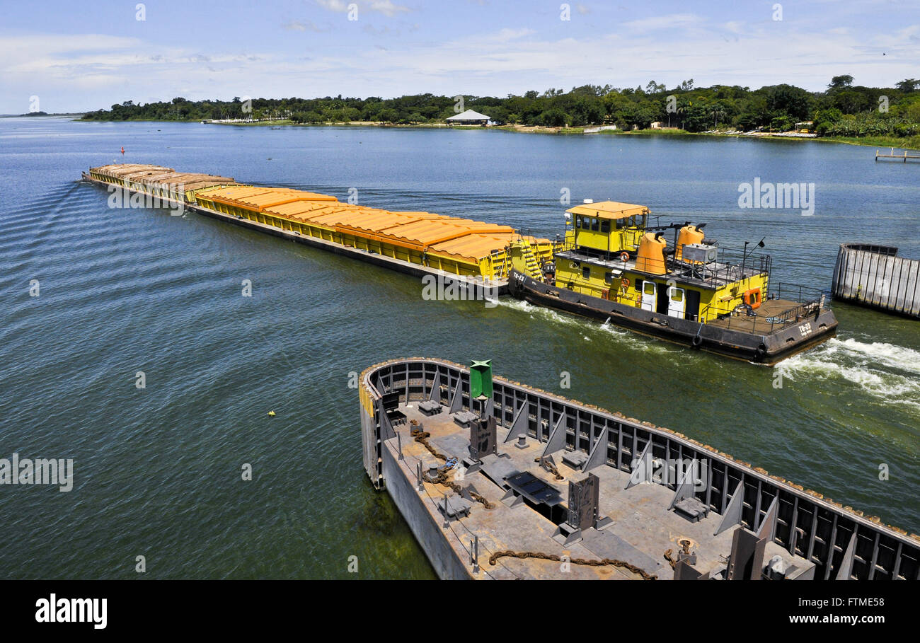 Barge transportation of grains leaving the sluice Tiete-Parana Waterway - Stock Image