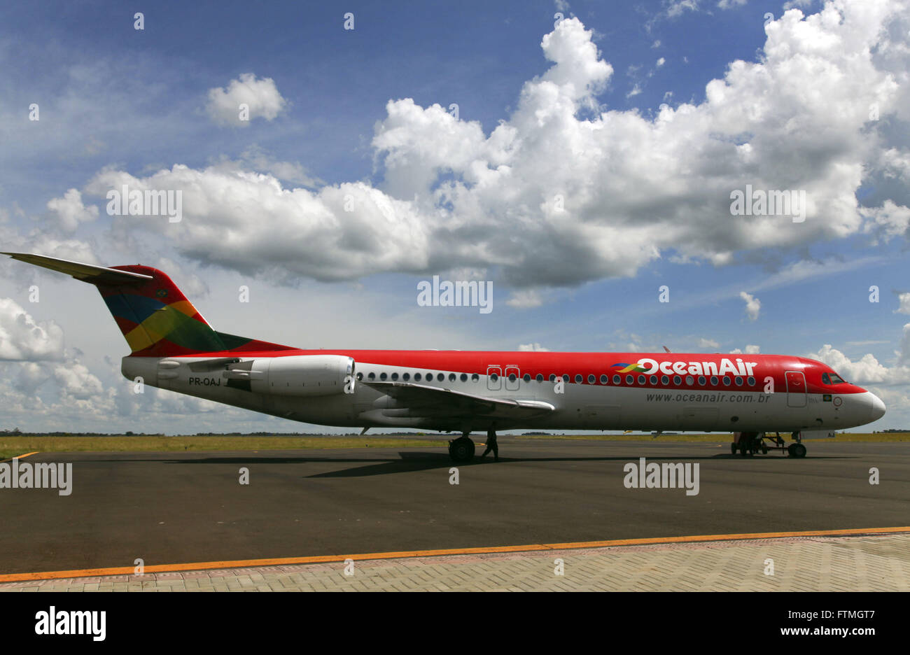 Plane on the runway of the airport Chapeco - Serafin Enoss Bertaso - Stock Image