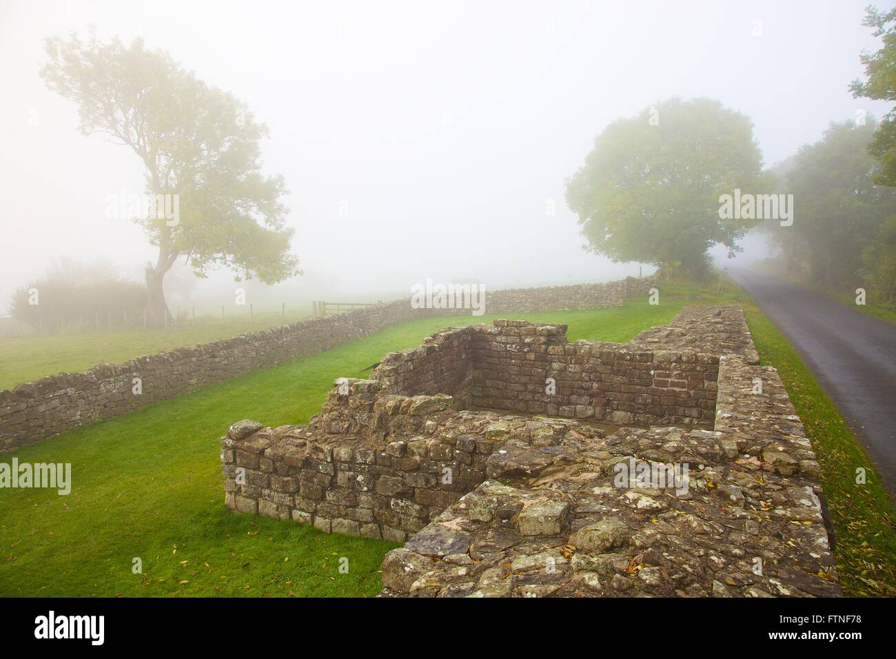 Hadrian's Wall. In Fog. Turret 52A, Banks, Cumbria, England, United Kingdom, Europe. - Stock Image