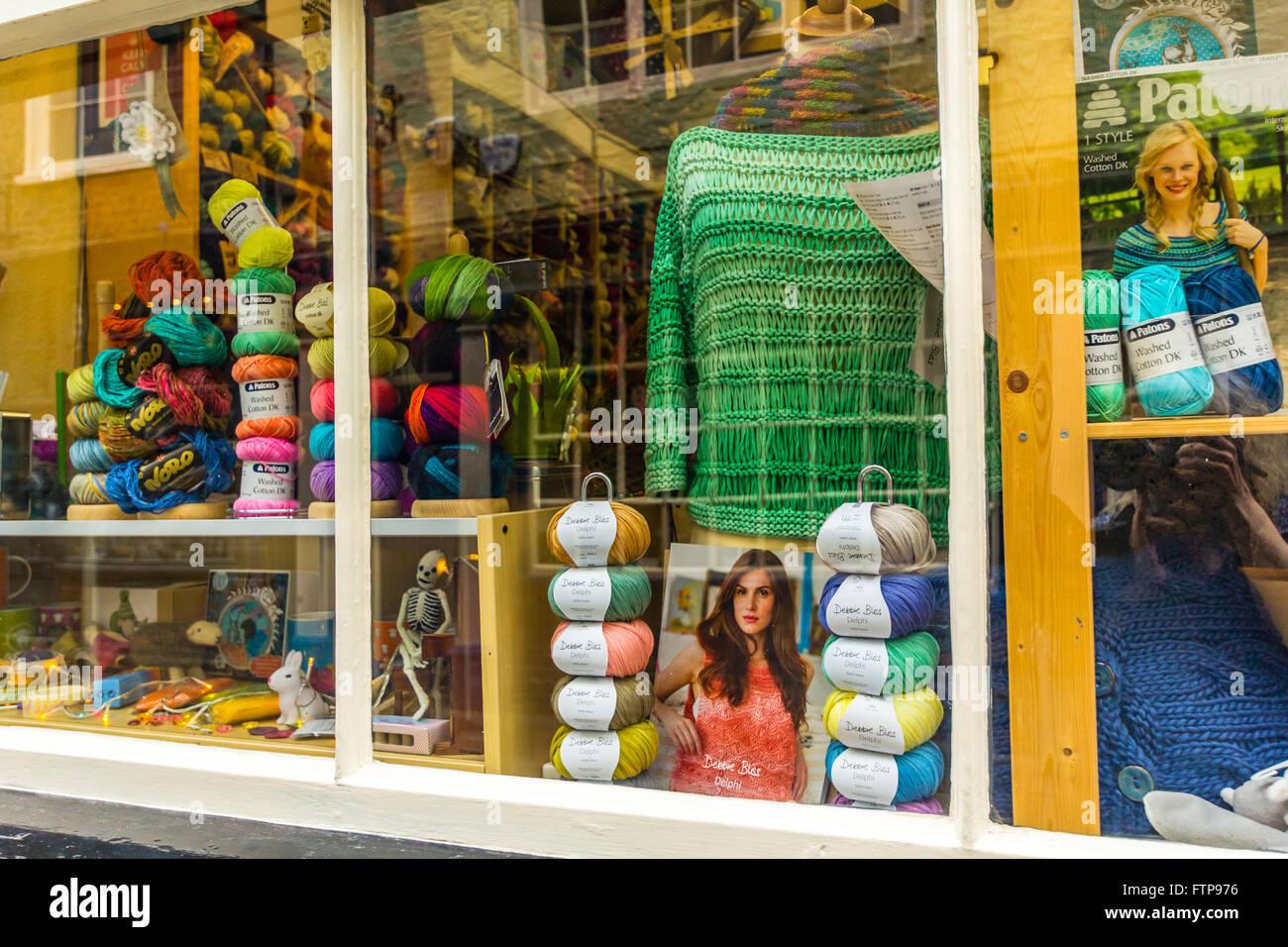 Knitting wool shop in York, England, UK - Stock Image