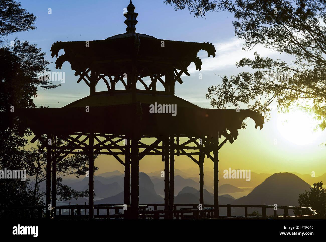 Nascer do sol na Vista Chinesa no Alto da Boa Vista - Parque Nacional da Floresta da Tijuca Stock Photo