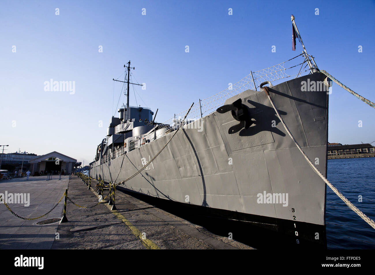Ship anchored in the ECM Museum Bauru - cultural space in the old Navy Pier Customs - Stock Image