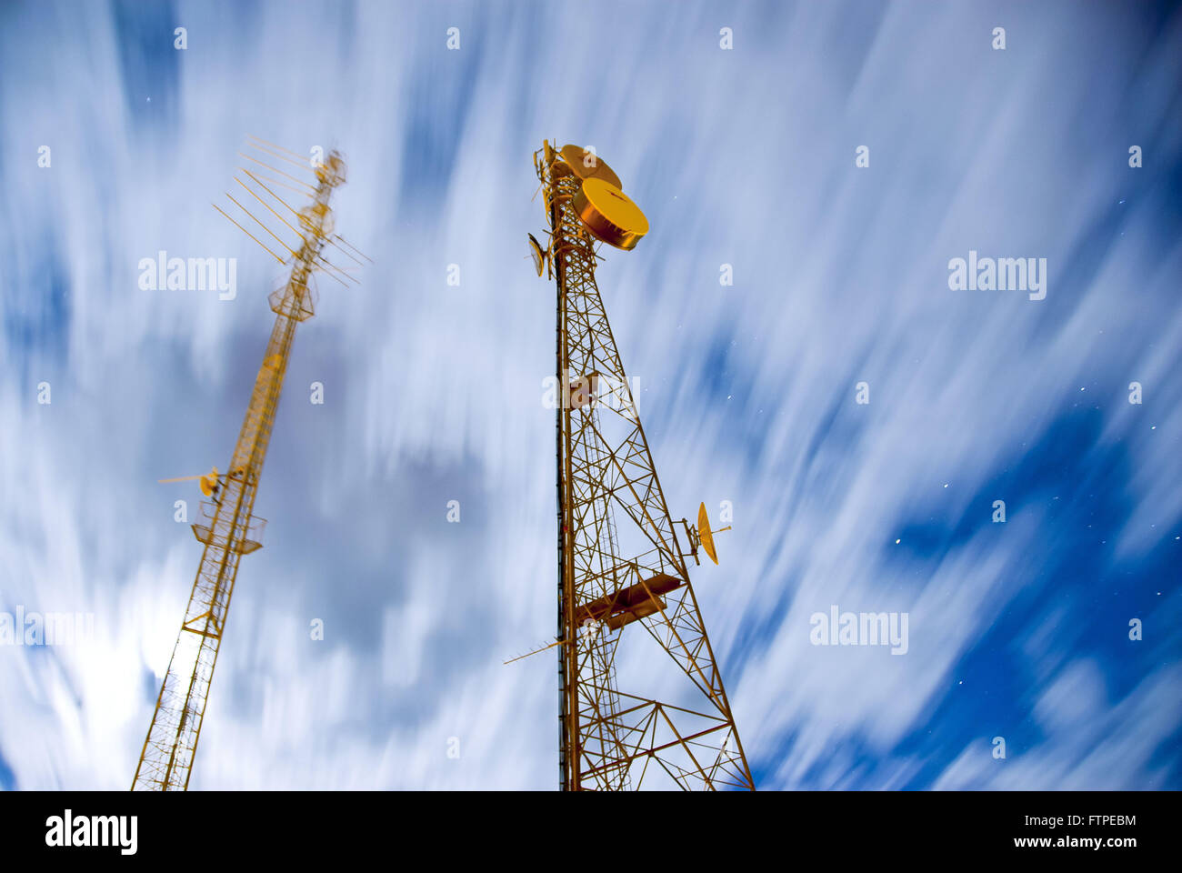 Telecommunications antennas City Straws - Stock Image