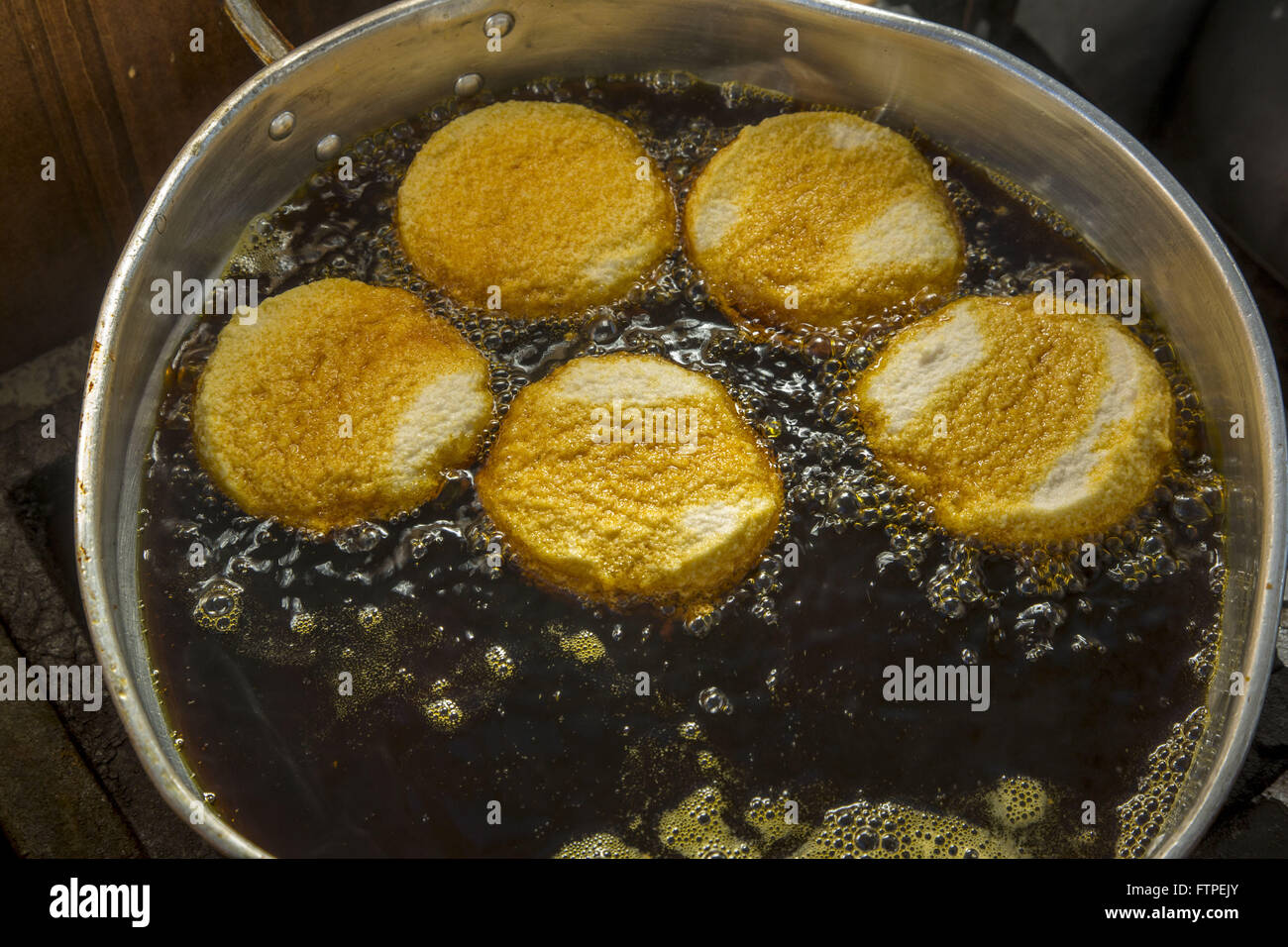 Details acaraje being fried - photographic sequence 4 - Stock Image