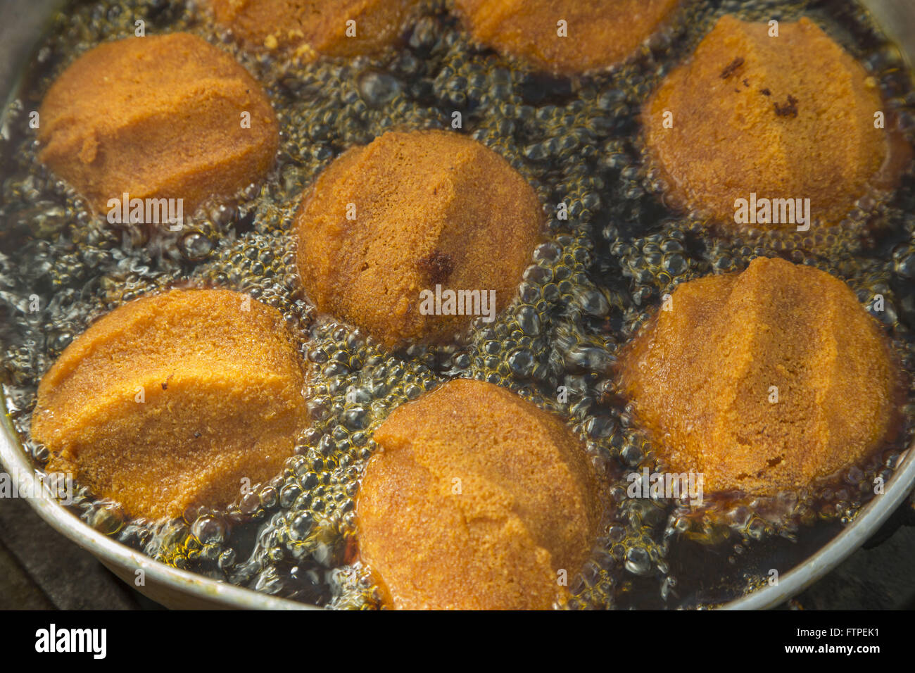Details acaraje being fried - photographic sequence 5 - Stock Image