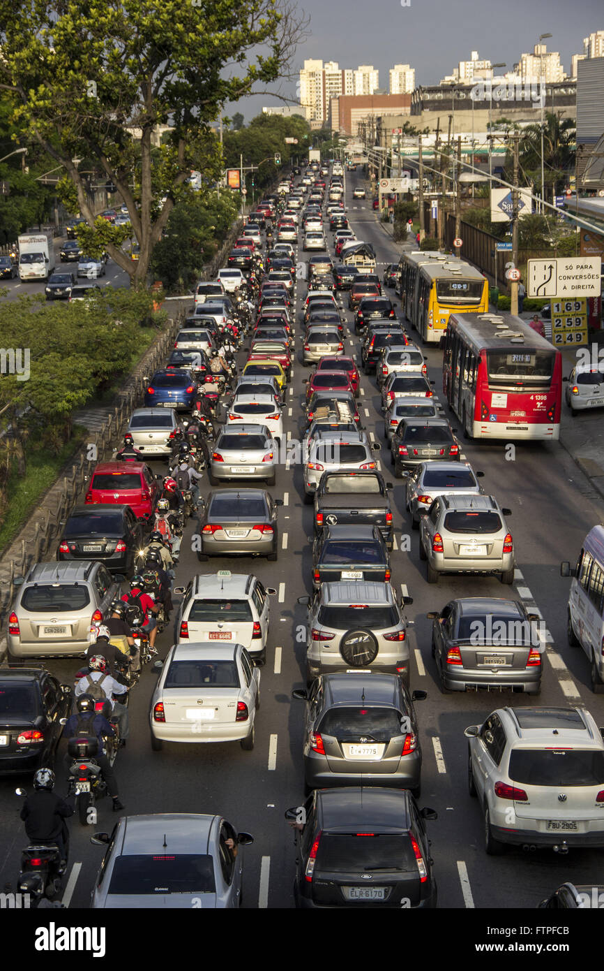 Congestion Avenue Alcantara Machado better known as Radial Leste - Stock Image