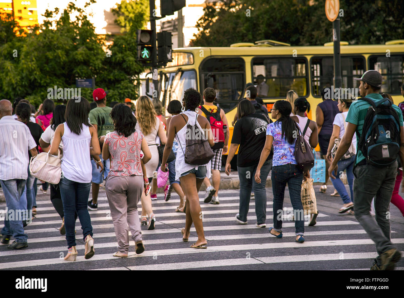 Pedestrian crossing the avenue Andradas - central region of the city - Stock Image