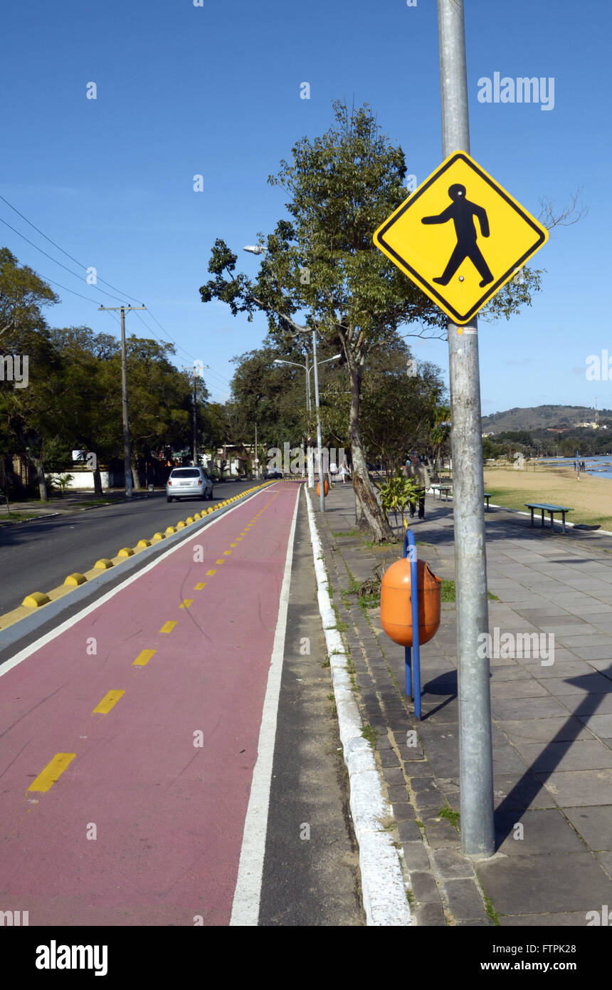 Bike lane on the river beach of Ipanema the shores of Lake Guaiba - Stock Image