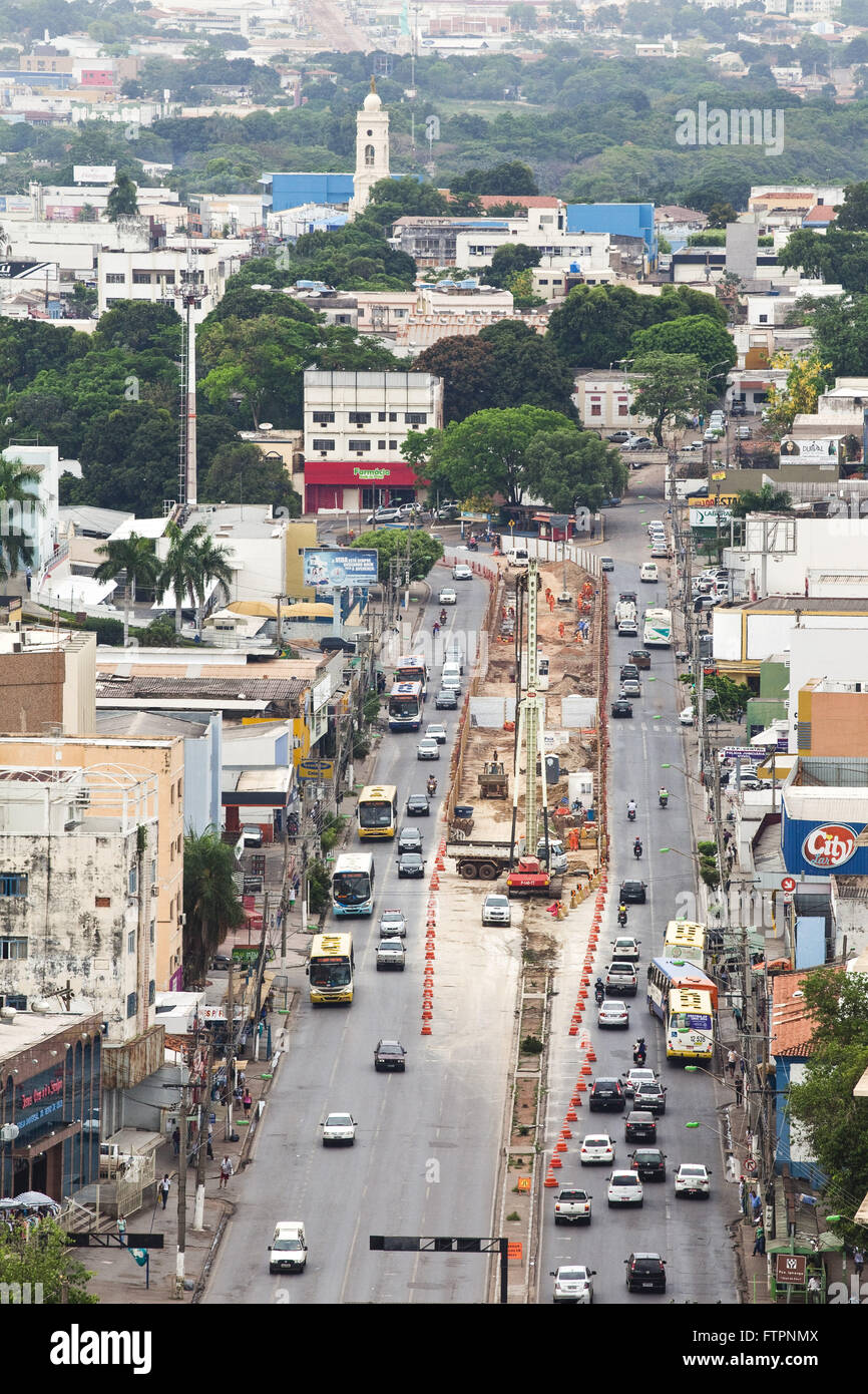 View of Avenida Duarte Lieutenant Colonel or Prainha works with the VLT - Light Rail - Stock Image