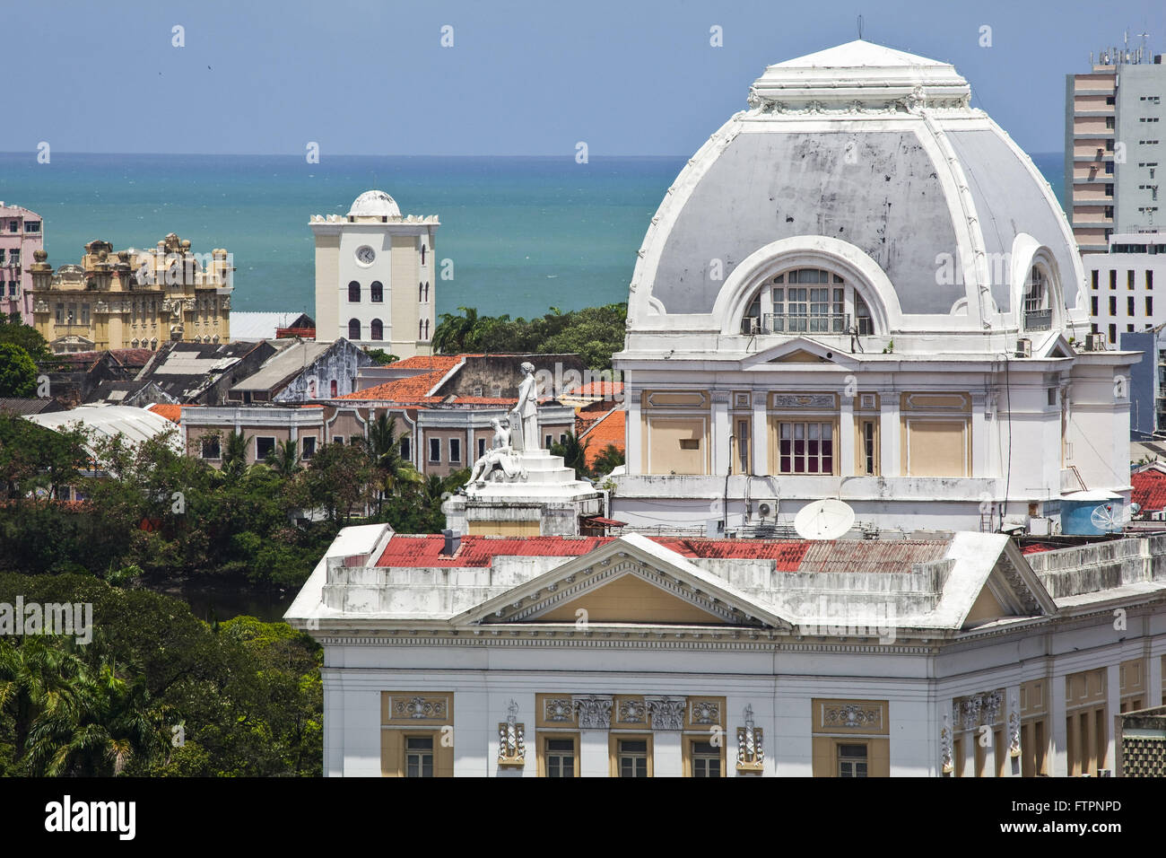 View of the dome of the Palace of Justice of Pernambuco in 1930 with the Malakoff Tower in the background - Stock Image