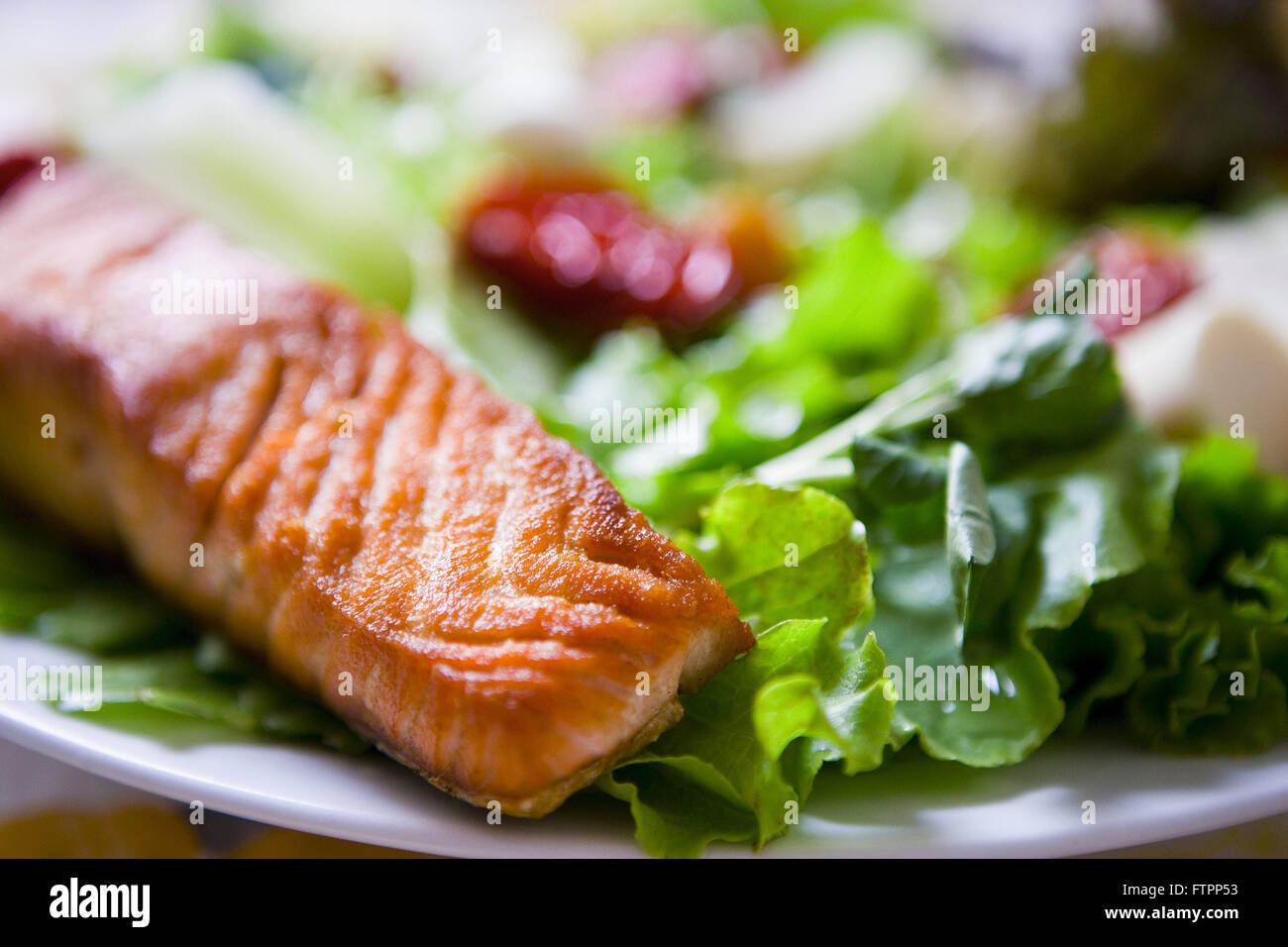 File grilled salmon and salad - Stock Image