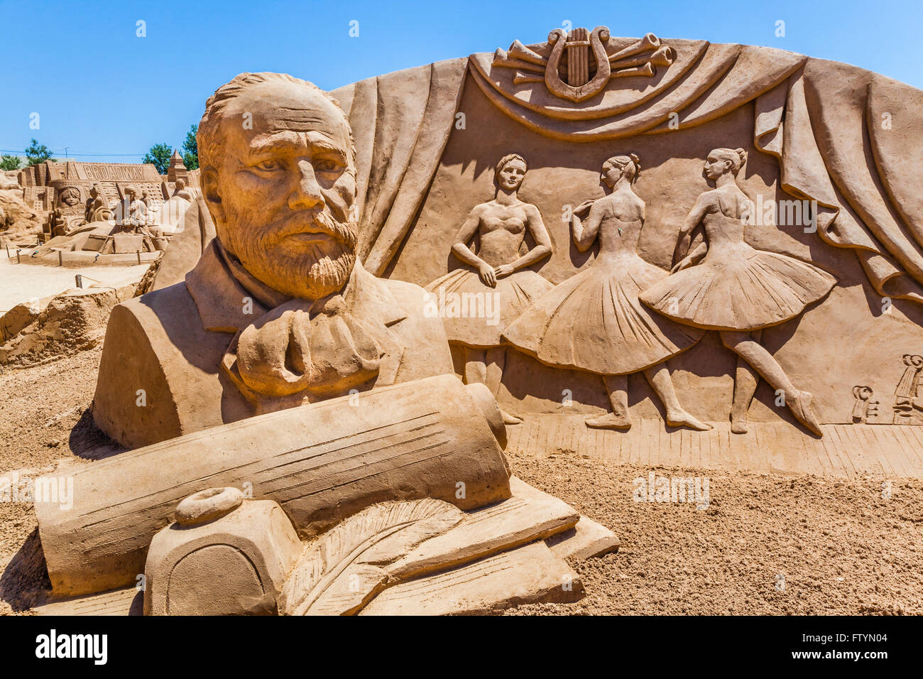Portugal, Algarve, Faro district, Pera, Tschaikovsky sculpture at the FIESA International Sand Festival - Stock Image