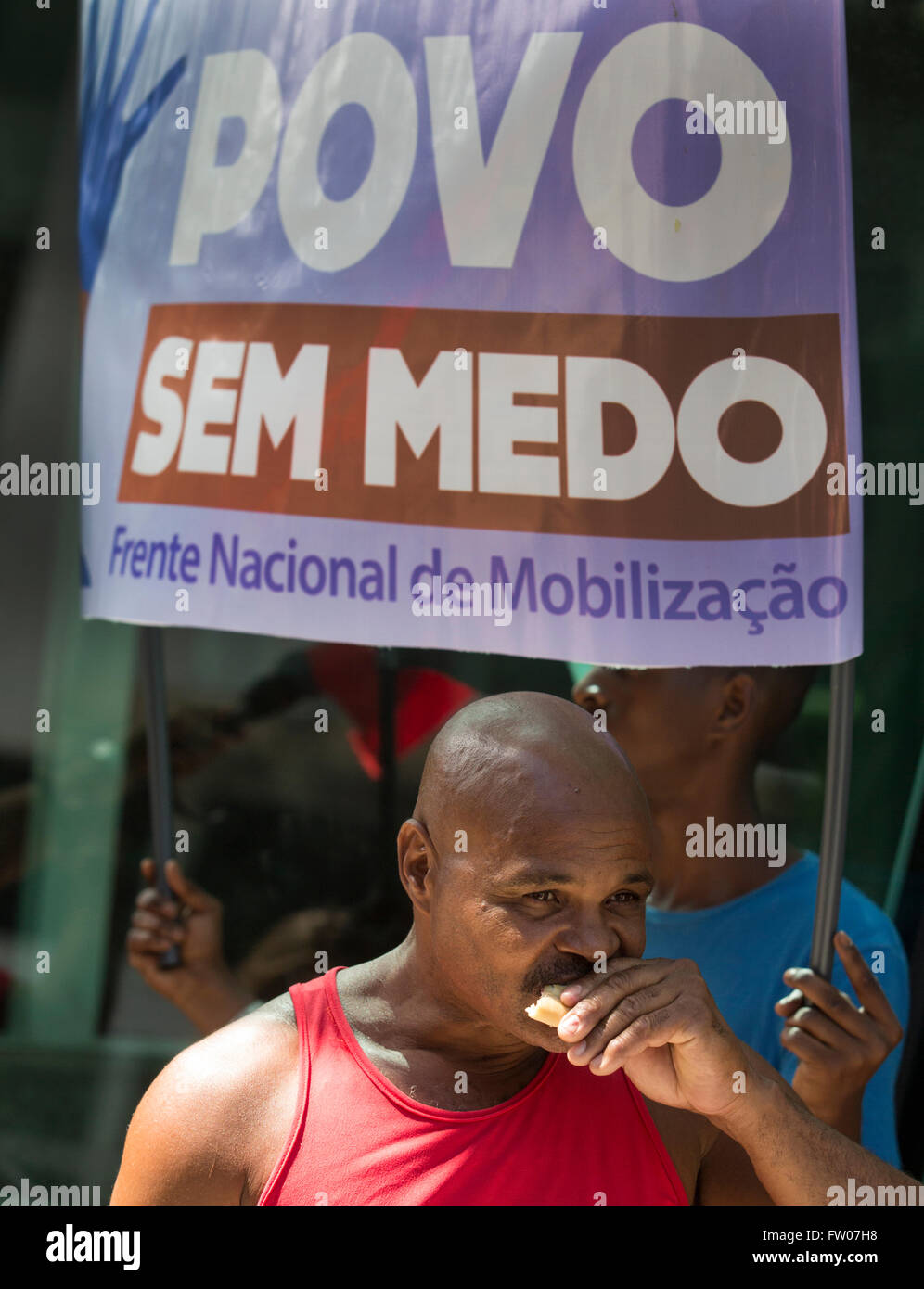RIO DE JANEIRO, BRAZIL – March 18, 2016: Brazilians on the streets of Rio on an organized pro-government demonstration - Stock Image