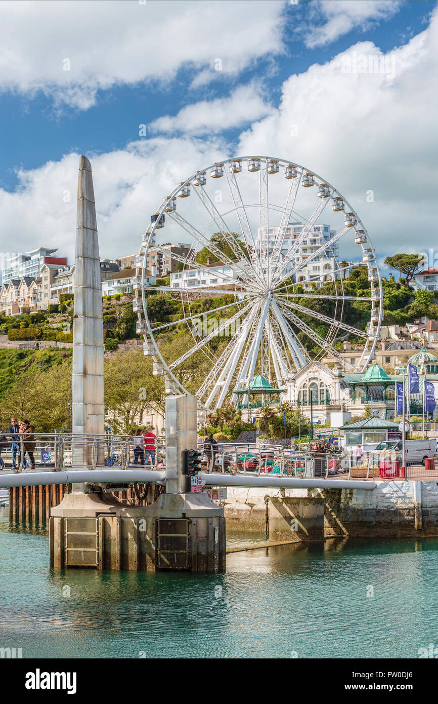 Footbridge and Harbor of Torquay, Torbay, England, UK | Bruecke im Hafen von Torquay, Torbay, England, UK - Stock Image