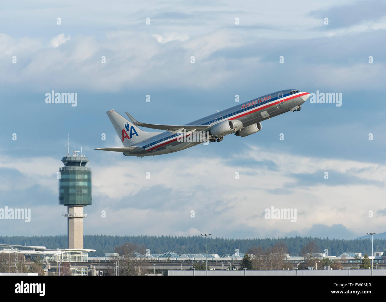 American Airlines Boeing 737-823 taking off from YVR Vancouver International Airport - Stock Image