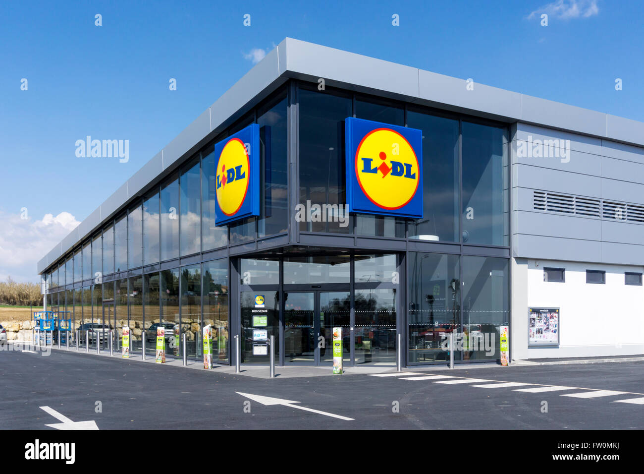 A Lidl supermarket in Beziers, France. - Stock Image