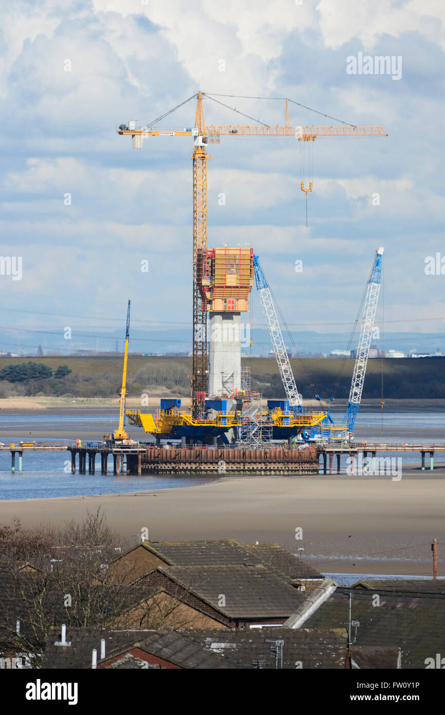 Mersey Gateway project - the new Runcorn-Widnes bridgebeing constructed across the River Mersey by West Bank, Widnes. - Stock Image