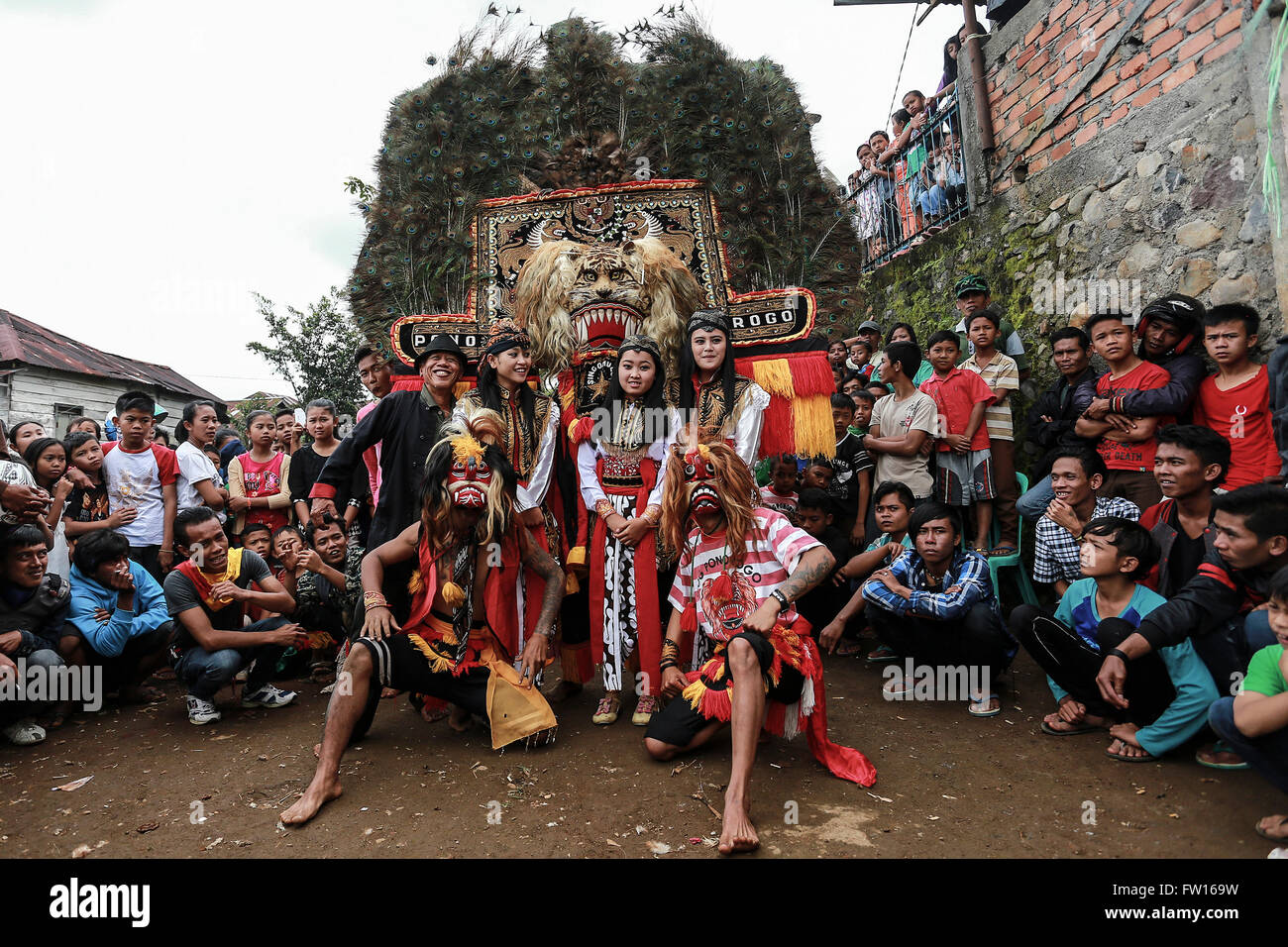 Reog ponorogo stock photos reog ponorogo stock images alamy group of players reog ponorogo pose before perfoming stock image thecheapjerseys Gallery
