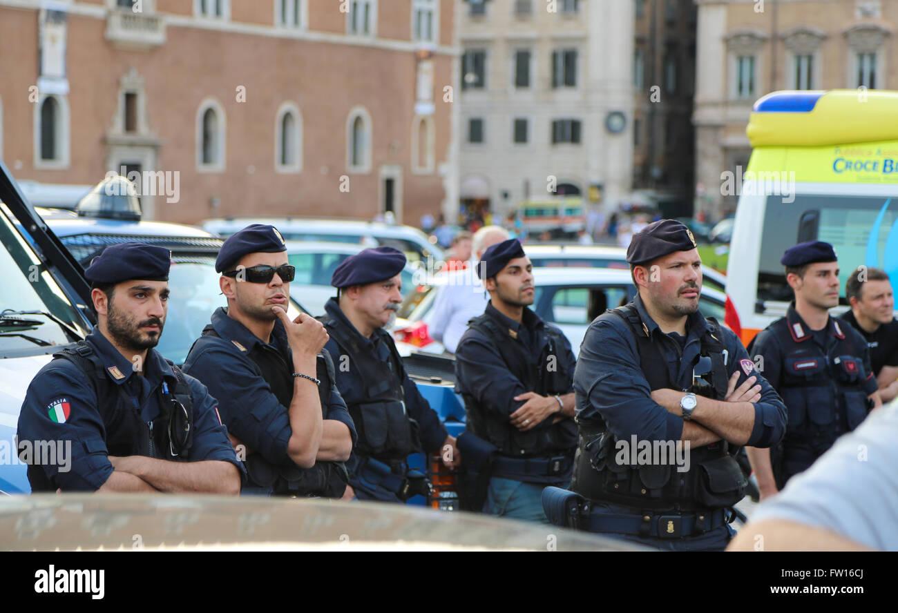 Italian Police Uniform Stock Photos  U0026 Italian Police