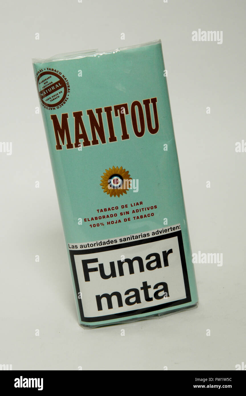 Hand Rolling Cigarette Stock Photos & Hand Rolling Cigarette Stock
