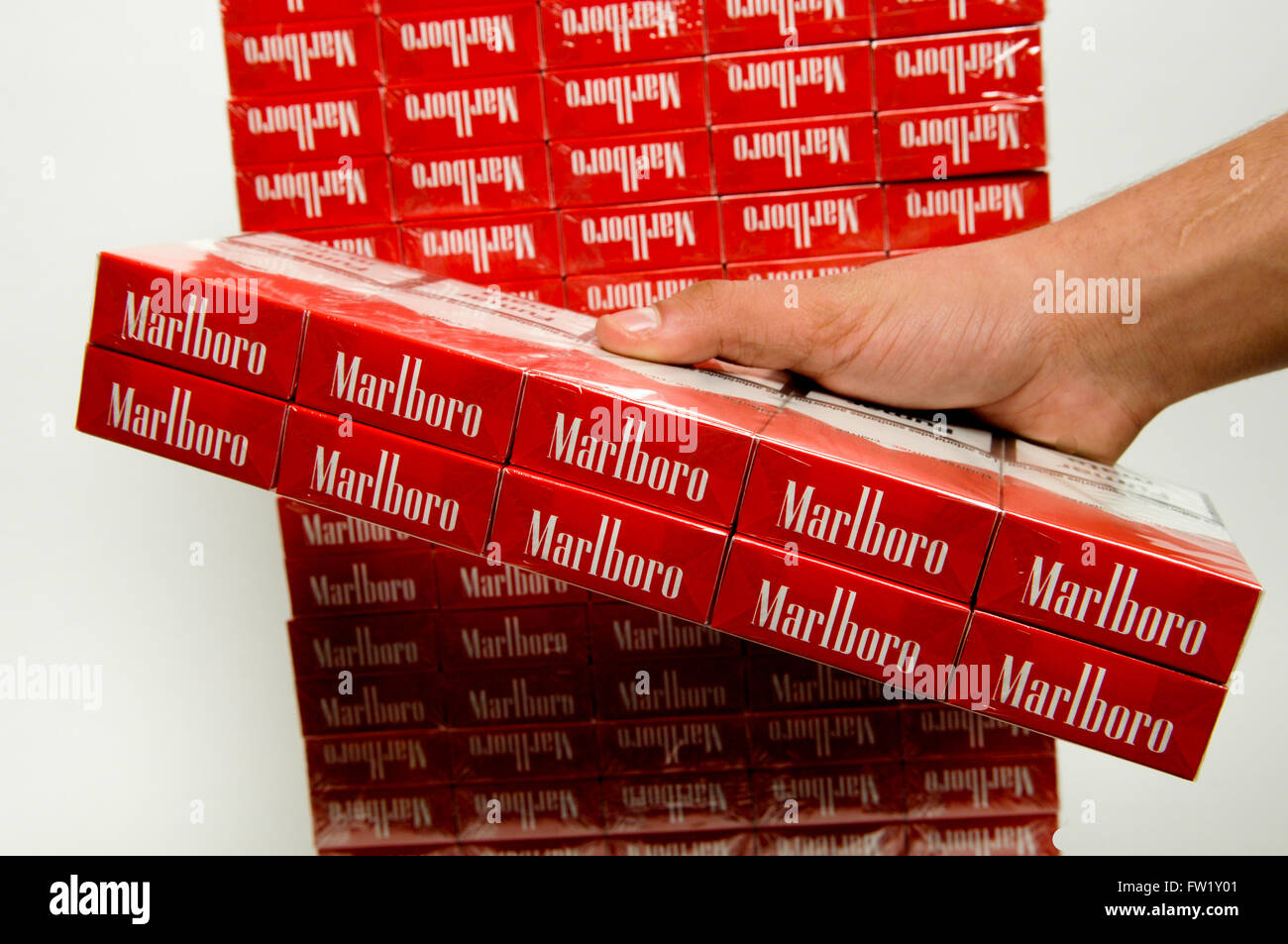How much are cigarettes in London airport