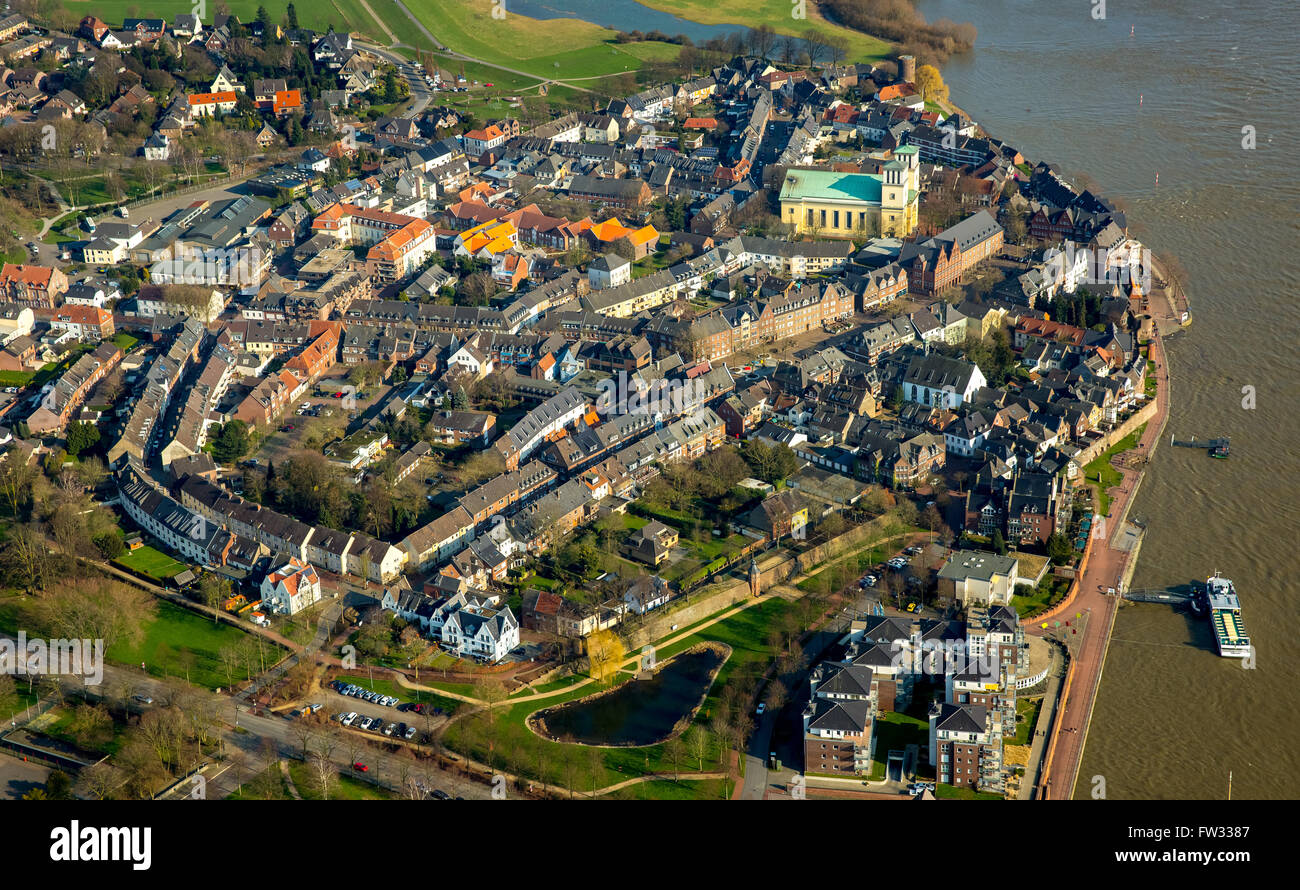 Aerial view of the city of Rees with the church Saint Mary of the Assumption and the Rhine, Rees, Lower Rhine Stock Photo