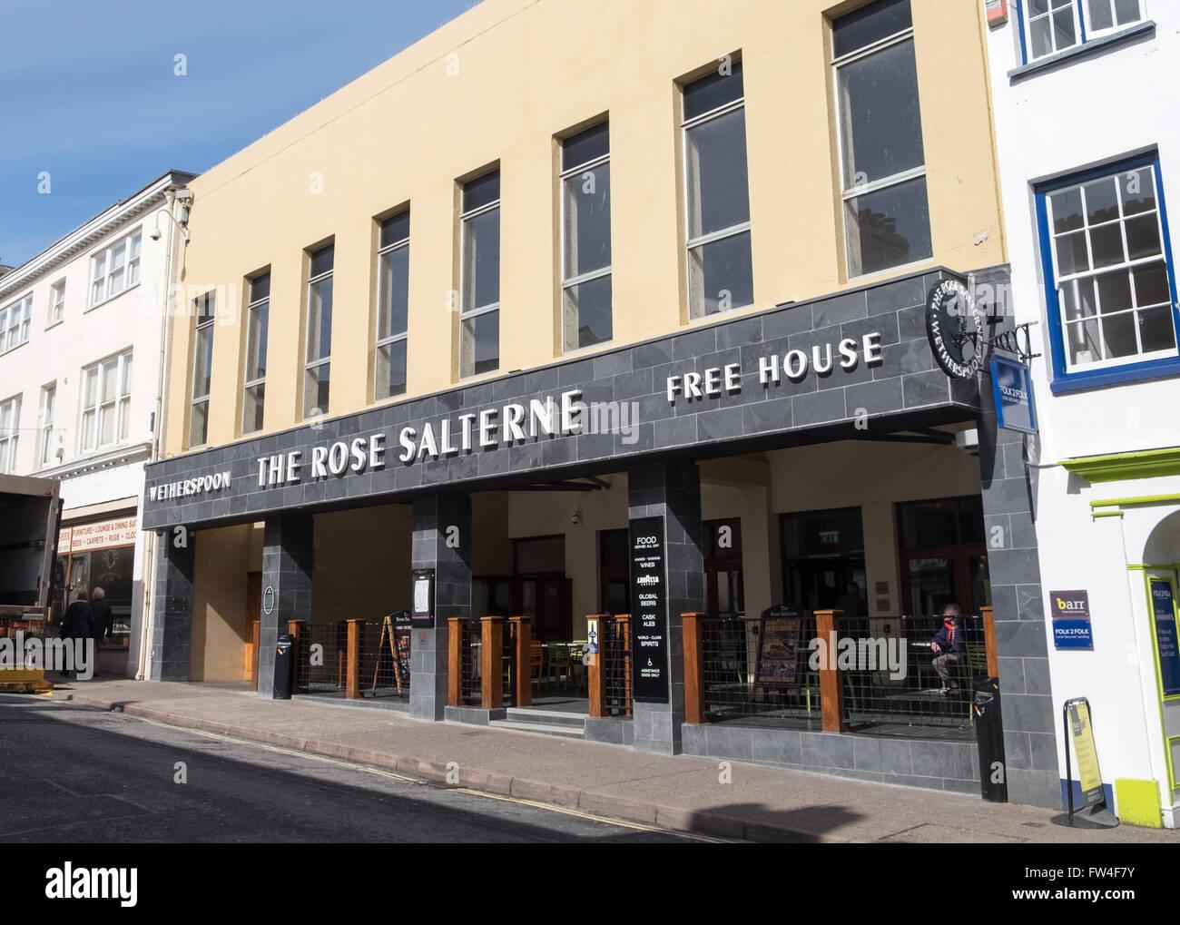 The Rose Salterne pub in Bideford Devon. The Pub is a JD Wetherspoons pub - Stock Image