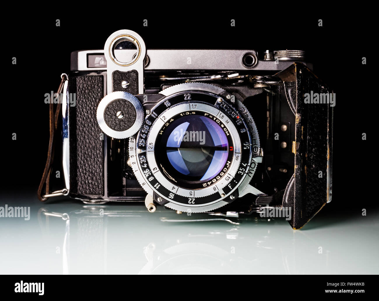 Moscow, Russia - February 02, 2016: The Moskva-5 (MOCKBA-5 in cyrillic) is a medium format rangefinder folding camera - Stock Image