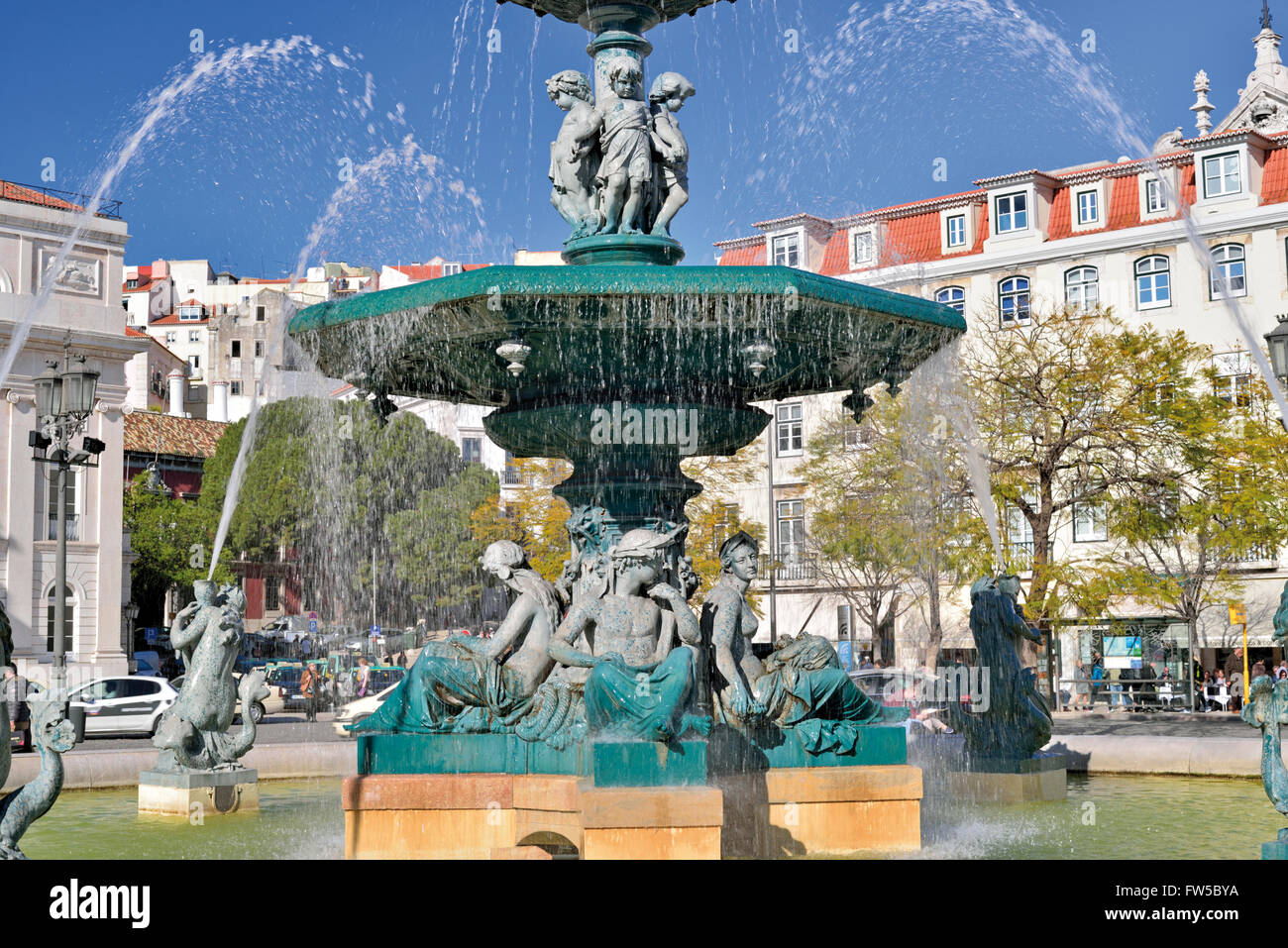 Portugal, Lisbon: Water fountain at square Dom Pedro IV ( Rossio ) - Stock Image