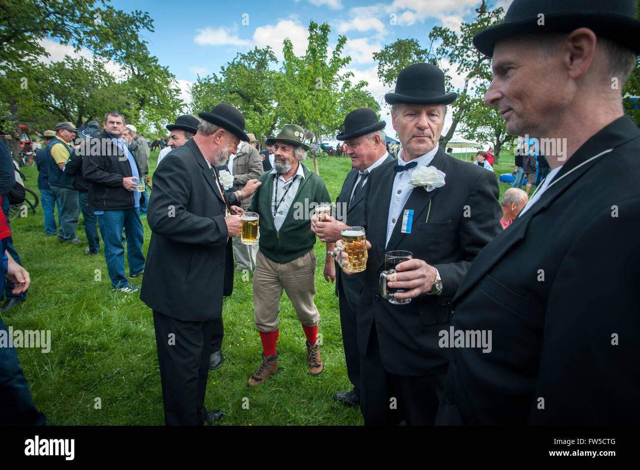 Saxony-Anhalt men celebrating 'Manner Tag' or Fathers Day at the Petersberg near Halle, Germany. - Stock Image