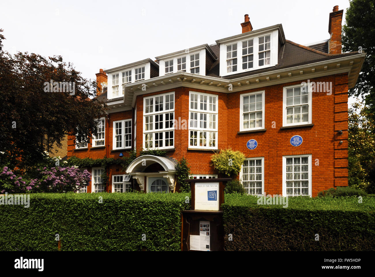 Home and museum of Sigmund Freud,  Hampstead, London. SF: psychoanalyst, founder of psychoanalysis, 6 May 1856 – - Stock Image