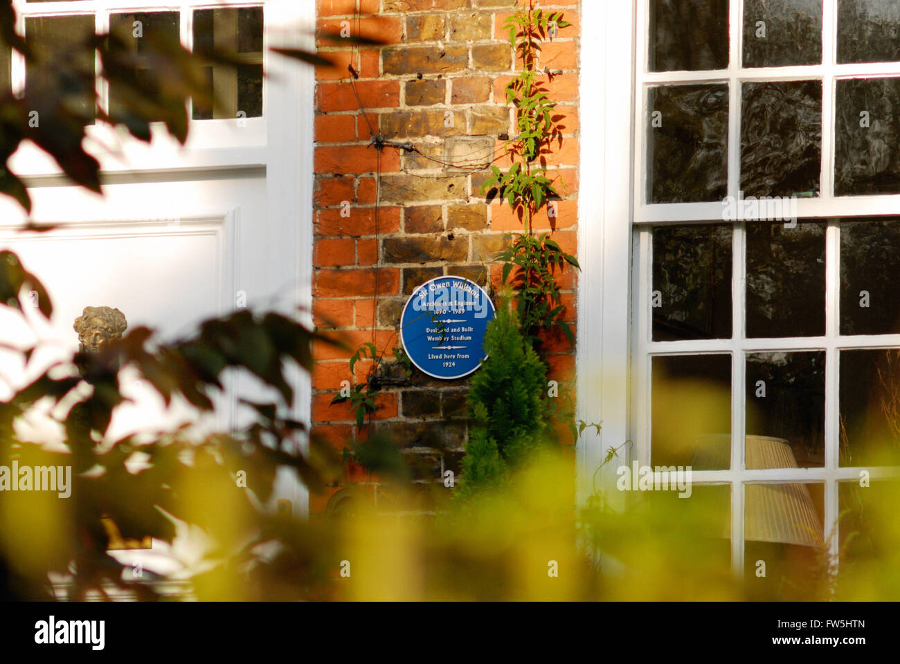 blue plaque on house in Redington Rd., London NW3, house from 1924 of Sir Owen Williams, British architect and engineer, - Stock Image