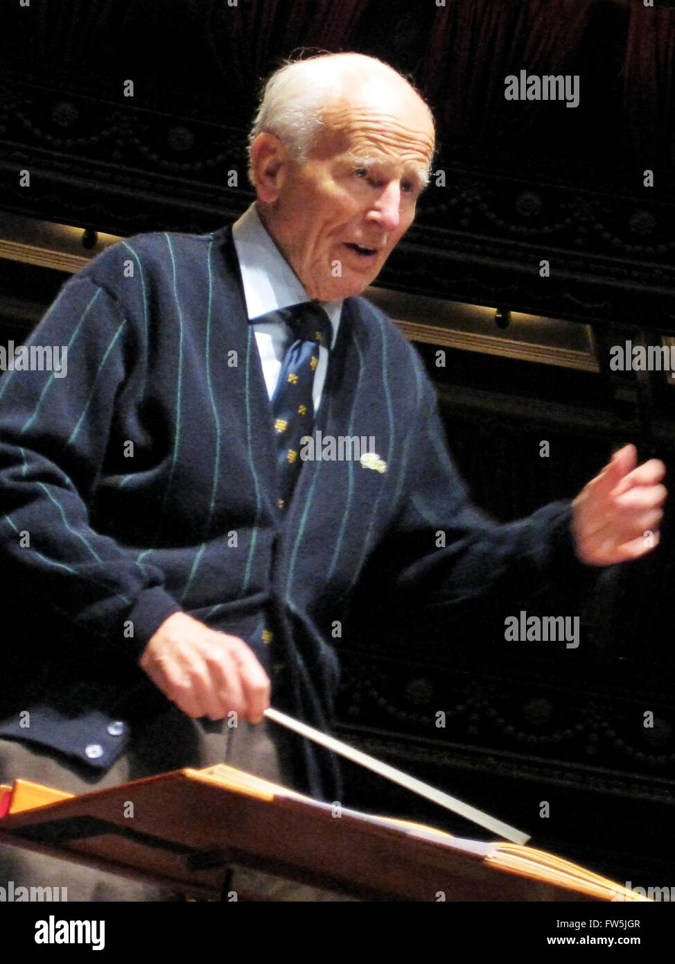 Sir David Willcocks, CBE., MC., conducting Handel's Messiah with The Really Big Chorus and Concerts from Scratch, - Stock Image
