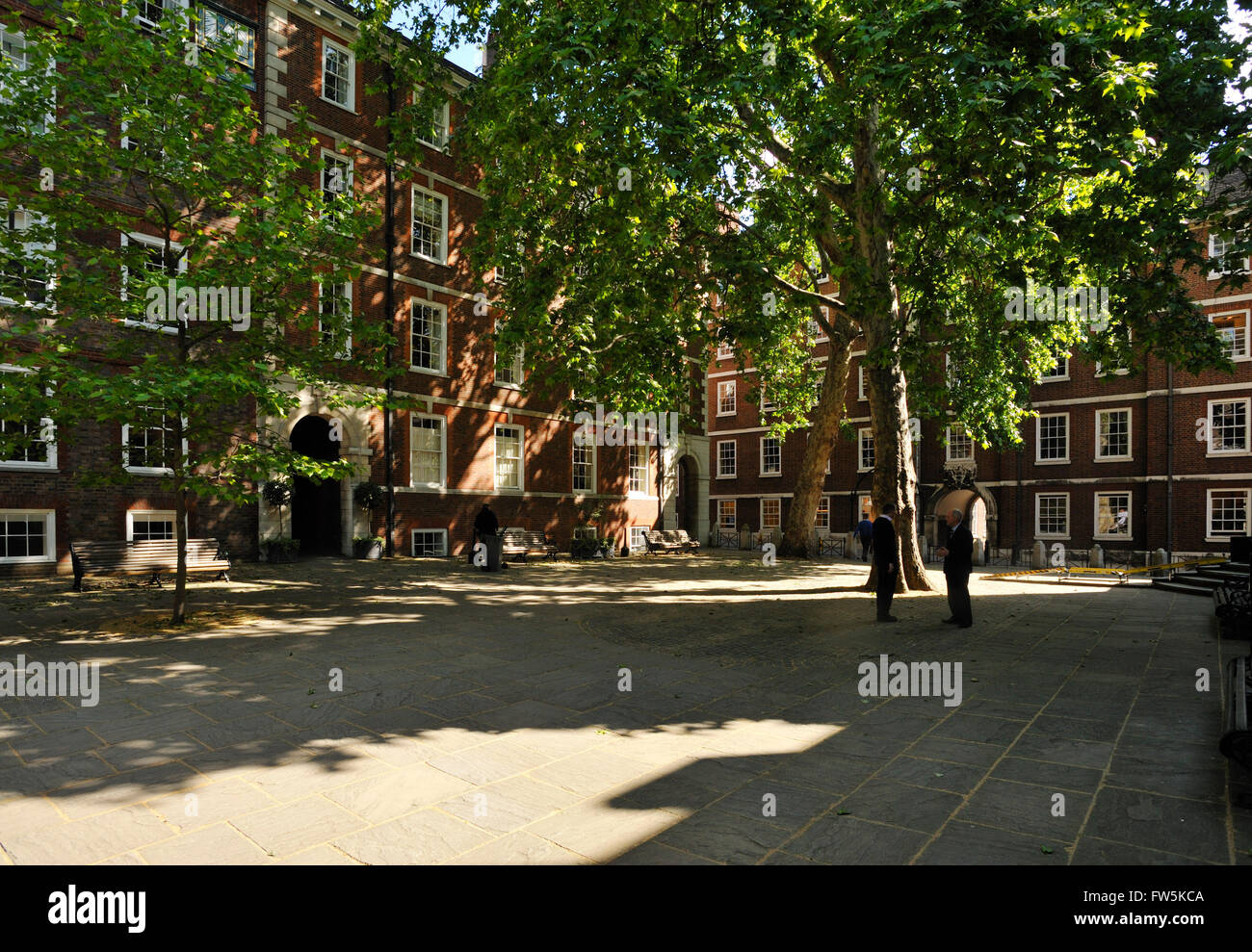 Fountain Court, Middle Temple, legal chambers, London, above the Thames Embankment. Featured in Martin Chuzzlewit, - Stock Image