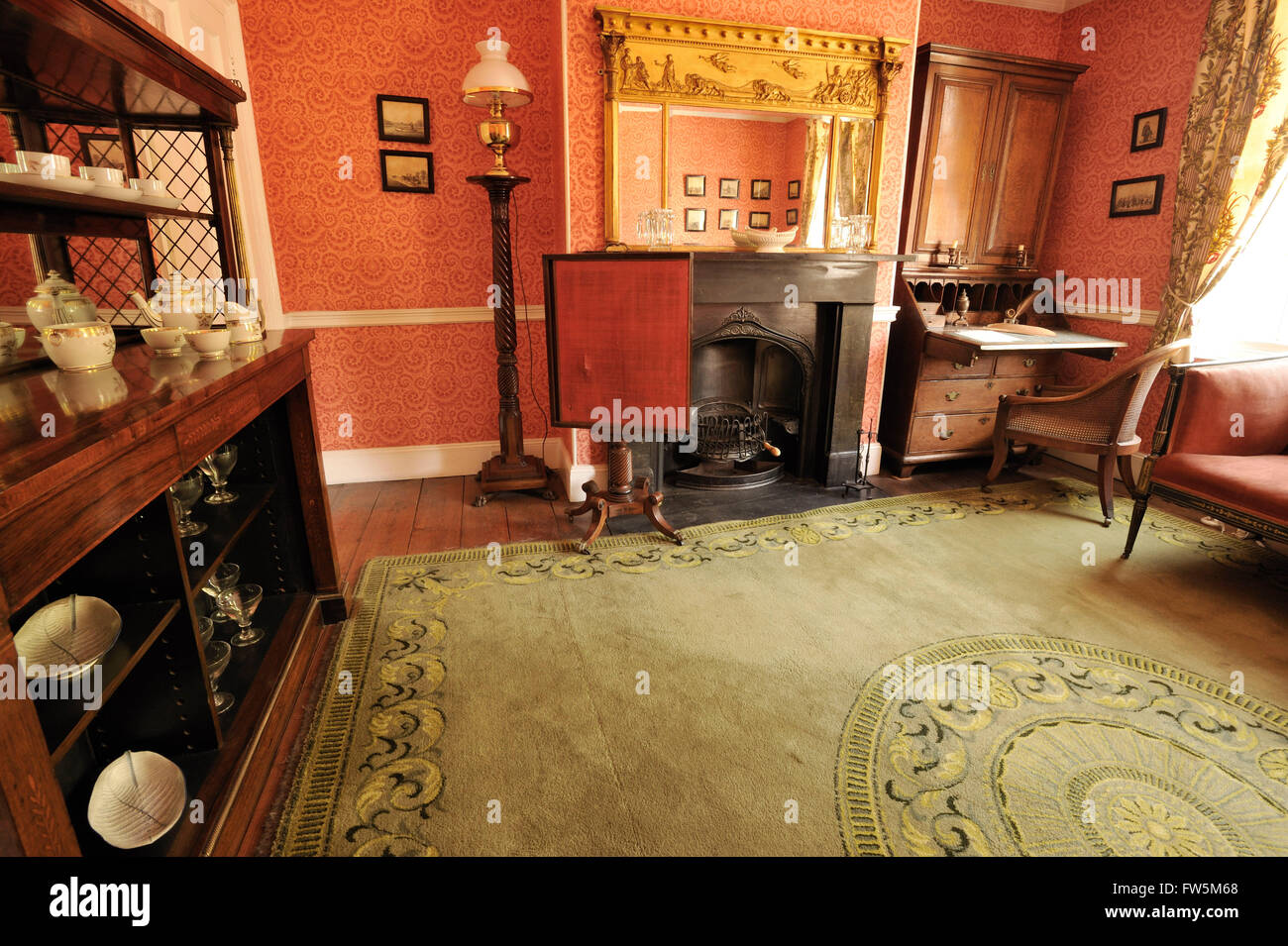 the parlour of the Charles Dickens Birthplace Museum; 393 Old Commercial Road, Portsmouth, PO1 4QL; the home of - Stock Image