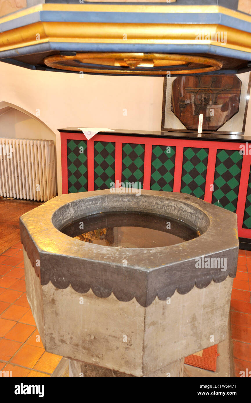the font (fifteenth century, possibly 12th century) in Copnor Parish Church of St. Alban, Portsmouth, in which novelist - Stock Image