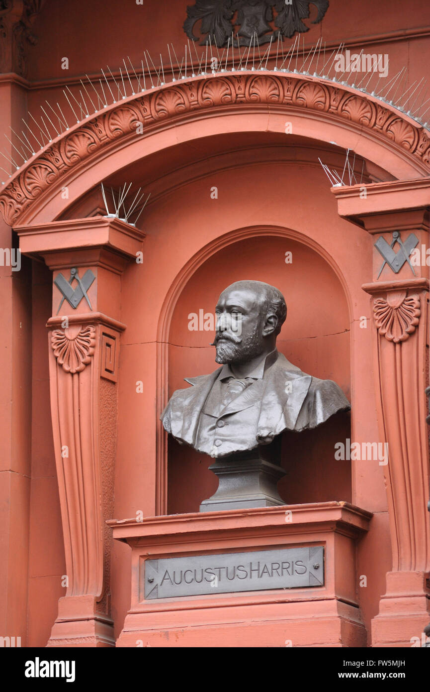 Bust of Augustus Harris, outside Theatre Royal, Drury Lane, Covent Garden, London WC2. Sir Augustus Henry Glossop - Stock Image