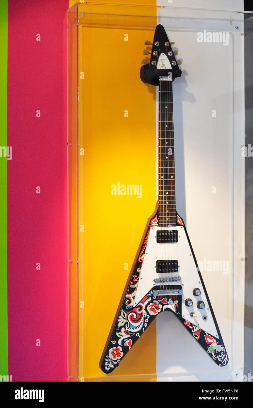 Jimi Hendrix memorabilia: Gibson Flying-V electric guitar, Cumberland Hotel, suite 507-8, now 5001, Great Cumberland - Stock Image
