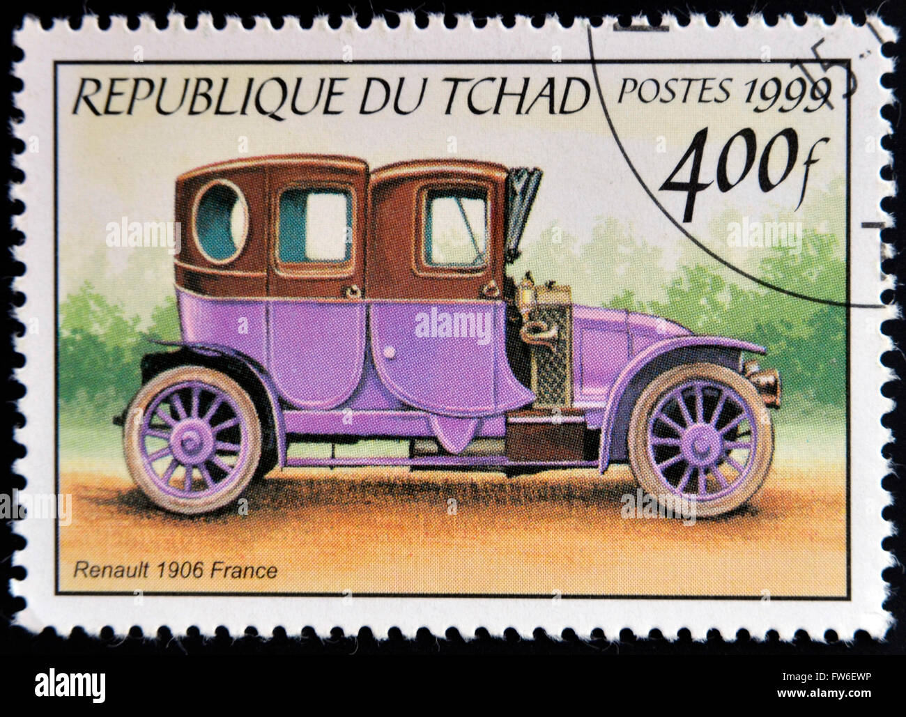 CHAD - CIRCA 1999: A stamp printed in Chad shows retro car Renault 1906, France, circa 1999 - Stock Image