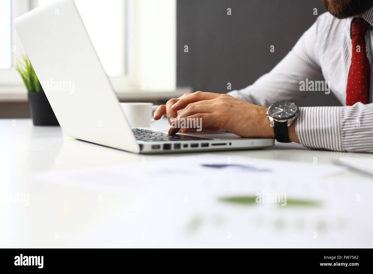 businessman typing on keyboard - Stock Image