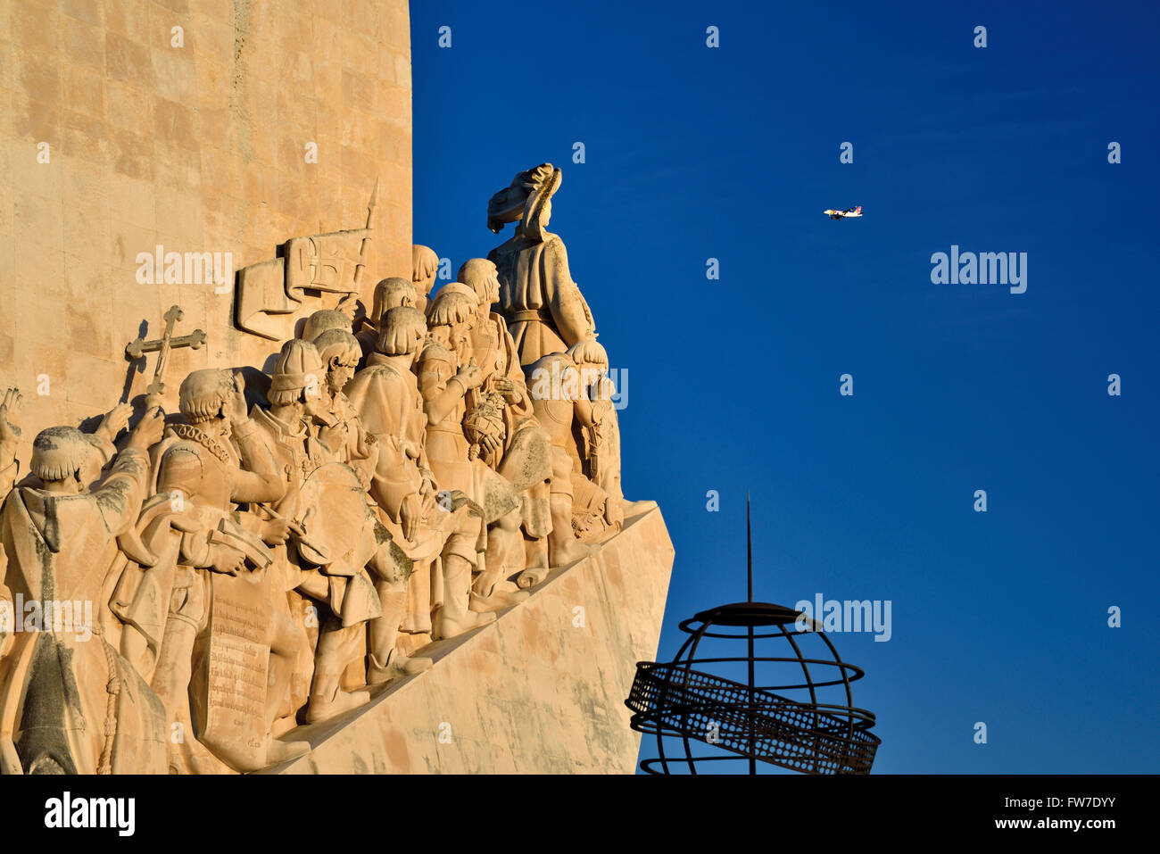 Portugal, Lisbon: Lateral view of Discoveries Monument in Belém - Stock Image