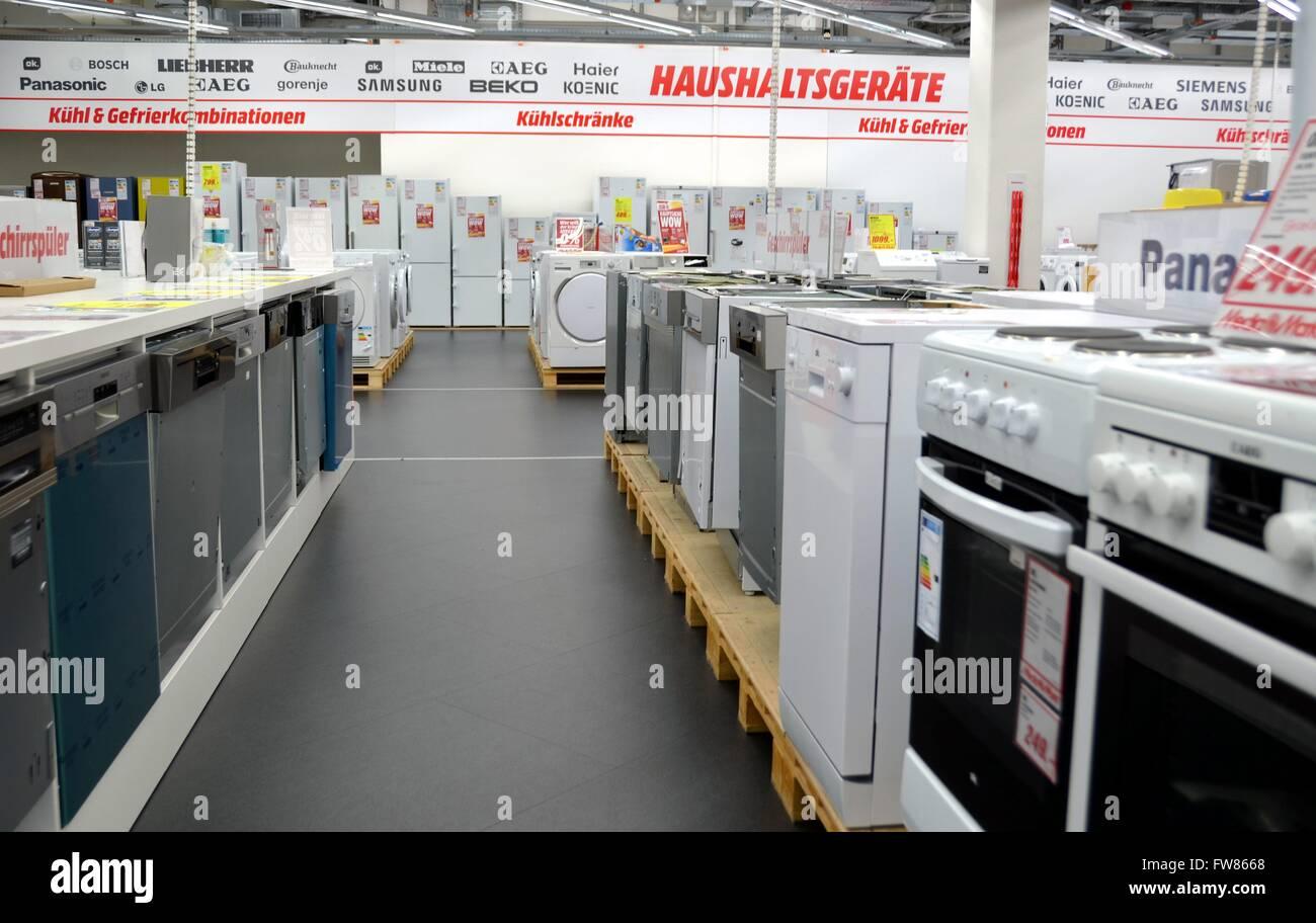 Gorenje Kühlschrank Media Markt : Kühlschränke stock photos & kühlschränke stock images alamy